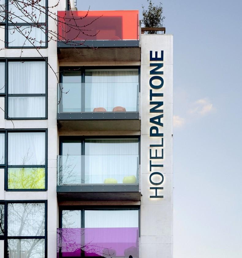 Самые красивые отели: Бельгийский Pantone Hotel в Брюсселе