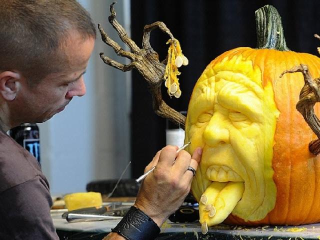Действительно адская тыква на Хэллоуин