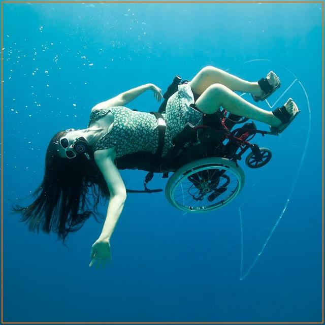 Искусство неполноценности. Подводное шоу Сью Остин