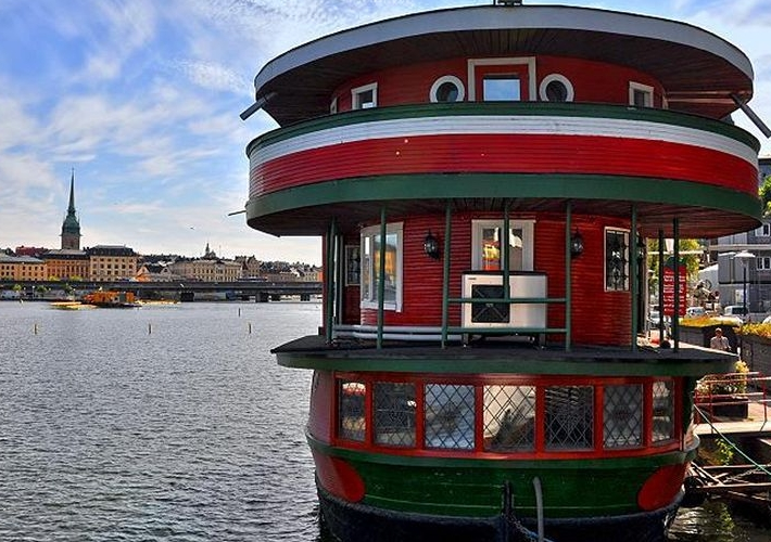 Лучший хостел Швеции: The Red Boat Mälaren в Стокгольме