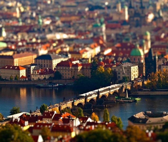 Фото как игрушечное: Прага с эффектом Tilt-Shift