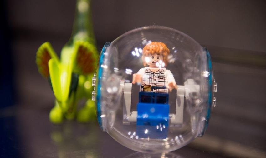 В Lego воссоздали «Мир Юрского периода»
