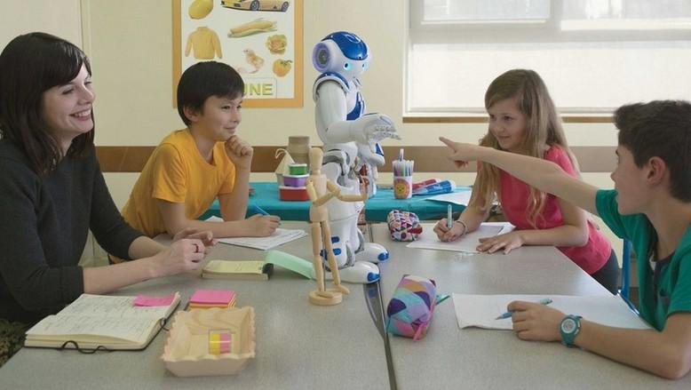Работа для робота: Учитель