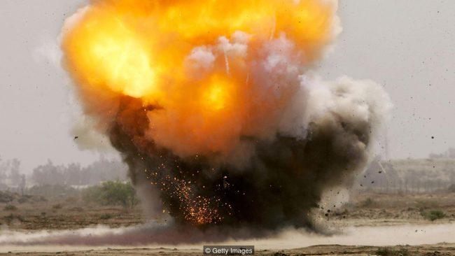 бомба взрывается