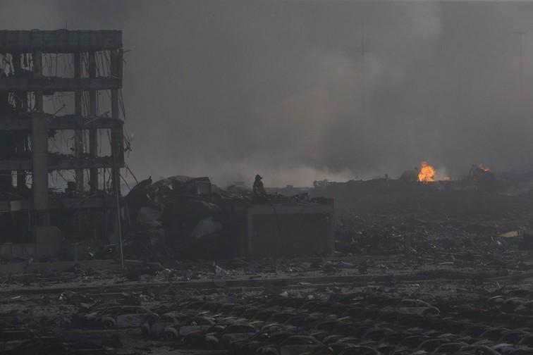 Последствия мощного взрыва с Китае в августе 2015 года